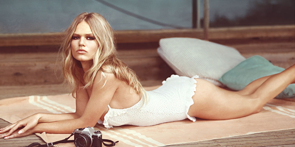 landscape-1458586454-1428425889-hbz-may-2015-anna-ewers-cover-02-copy